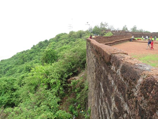 Fort Aguada: Fort wall