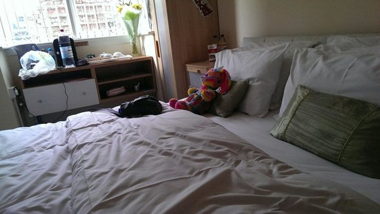 Aparthotel Blackpool : Our room, we had Sat on the bed already