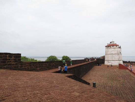 Fort Aguada: Fort and lighthouse