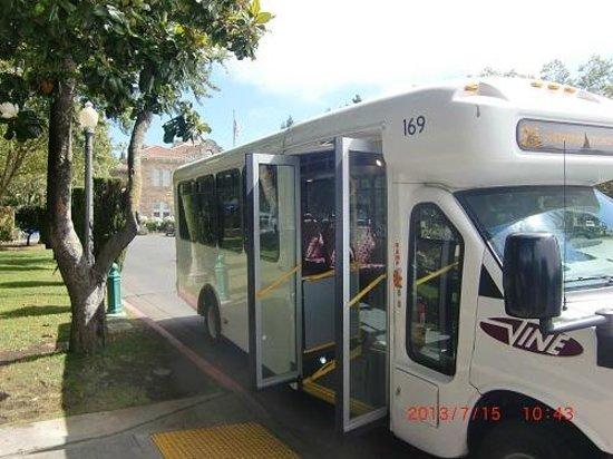 Sonoma Plaza: VINE(バス)