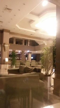 Meryan Hotel: отель