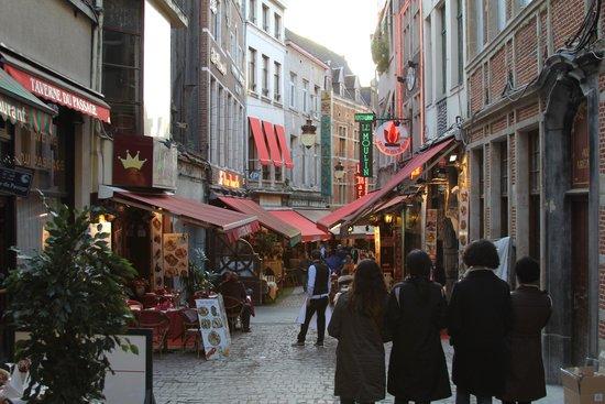 Rue des Bouchers: Дневной вид