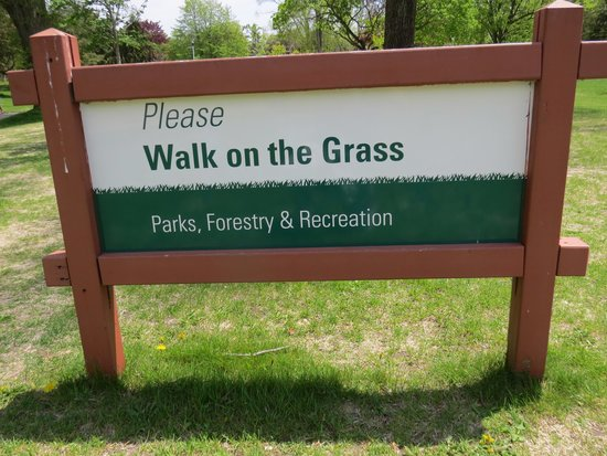 Toronto Islands: Quite an unusual sign in some ways!