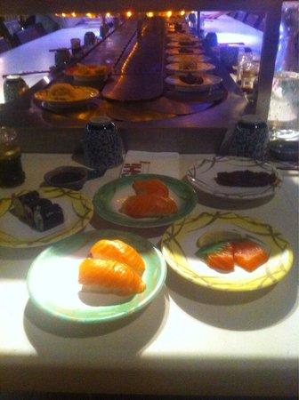 GoCHI Restaurant: Tapis roulant de sushis