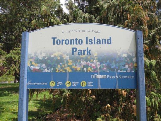 Parc des Îles de Toronto : Toronto Island sign