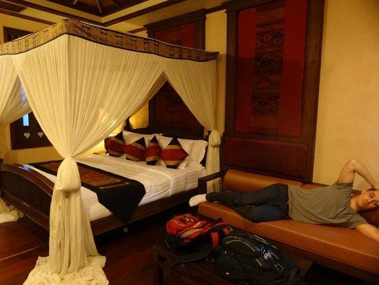 Amata Lanna: Look at that bed!