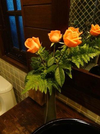 Amata Lanna: Fresh flowers