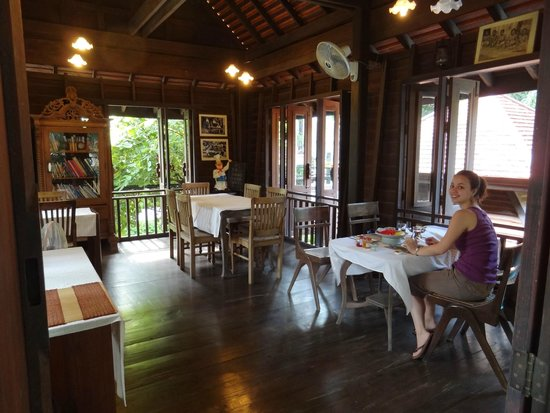 Amata Lanna Chiang Mai: Cute eating area just above the courtyard