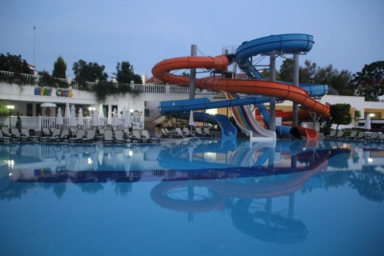 Alba Queen Hotel: Water slides