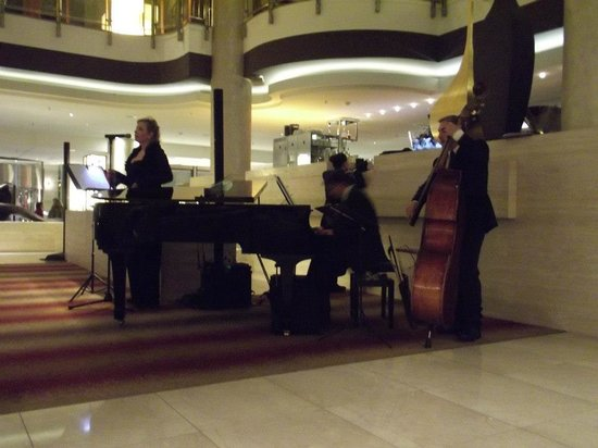 Hilton Berlin: Jazz gig at the lobby