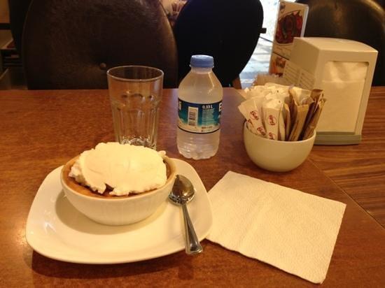Sutis Taksim: Rice pudding wth ice cream