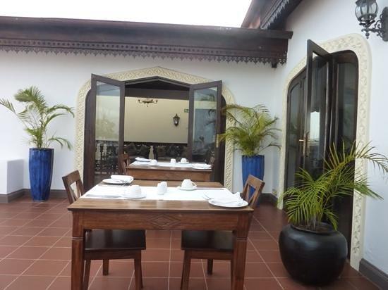 Kisiwa House : rooftop restaurant