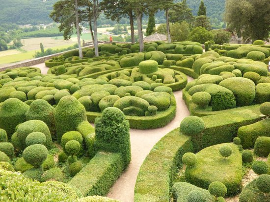 le repos du po te picture of les jardins de marqueyssac vezac tripadvisor. Black Bedroom Furniture Sets. Home Design Ideas