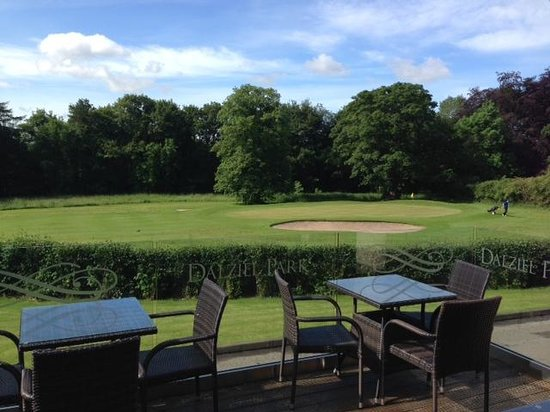 Dalziel Park Hotel & Golf Club : Golf course and terrace