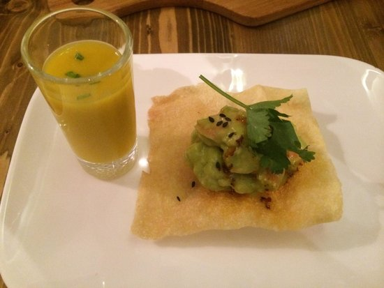 Appetite: Aguacate con gamba y mango.