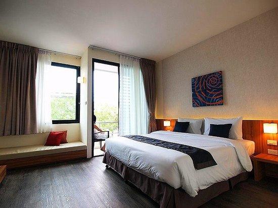 Apo Hotel: Deluxe sea viiew room