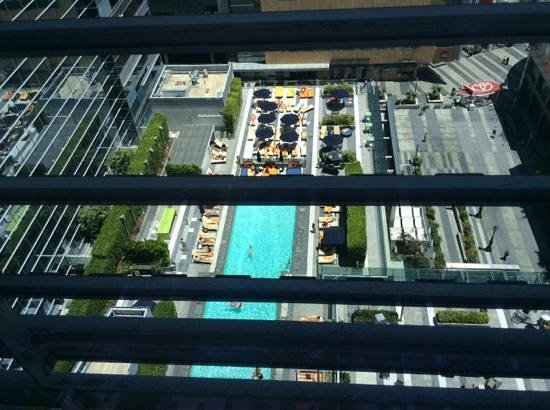JW Marriott Los Angeles L.A. LIVE: pool