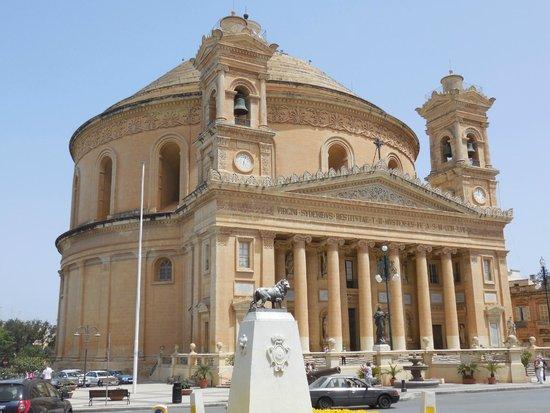 Rotonda (Iglesia de Santa María): Exterieur