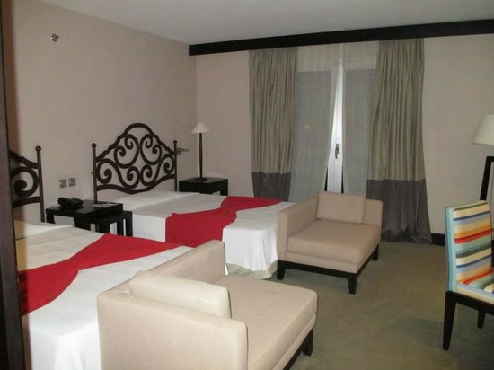 Iberostar Parque Central: Twin room was very spacious and comfortable