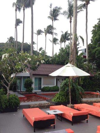 Aonang Paradise Resort: Pool area