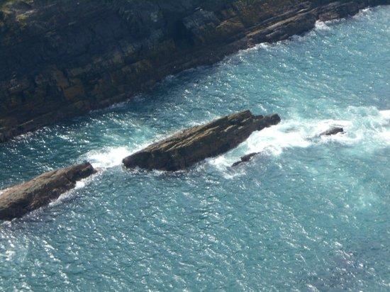 Portmagee, Irlande : the rocks below