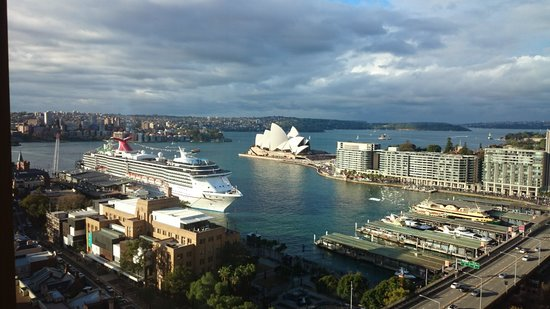 Four Seasons Hotel Sydney: views from our window
