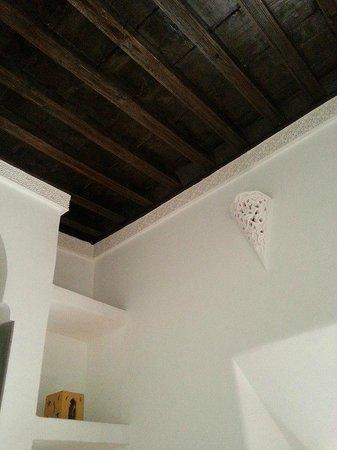 Riad Itrane : Particolare camera