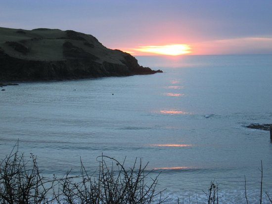 The Cottage Hotel: Sunset at Hope Cove