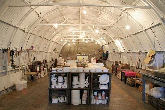 Bragginn - Clay and Coffee: Inside the Clay Studio, a fairy-tale world in an old potato storage