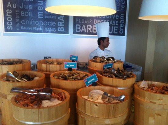 Le Royal Meridien Abu Dhabi : sea food station