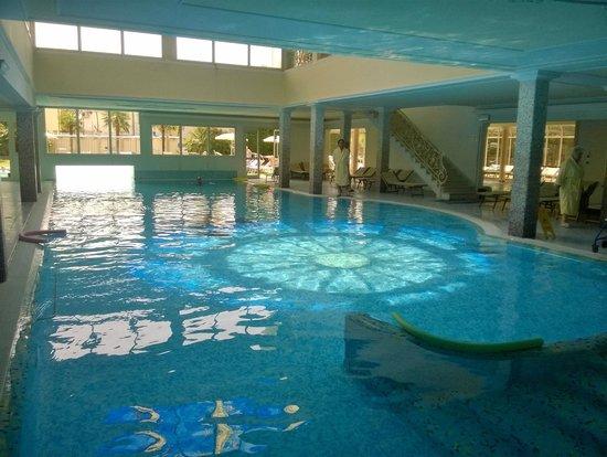Palace Hotel Meggiorato : La piscina termale coperta