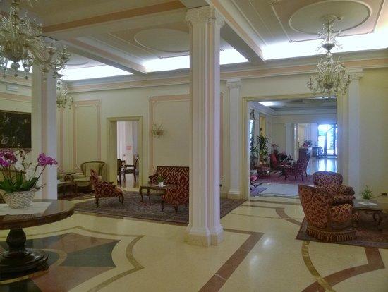 Palace Hotel Meggiorato: La hall