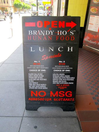 Brandy Ho's Hunan Food : Sign