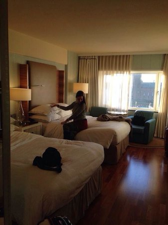 Sheraton Stockholm Hotel : Chambre spacieuse et lits super comfort