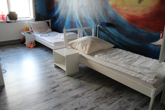 baxpax Mitte Hostel: 8 bed dorm