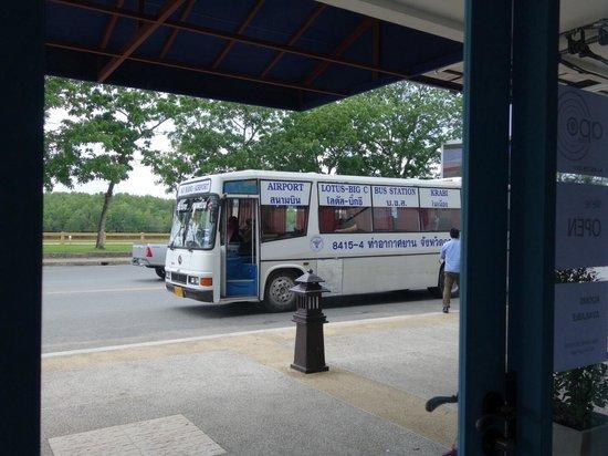 Apo Hotel: Bus to Krabi international  airport