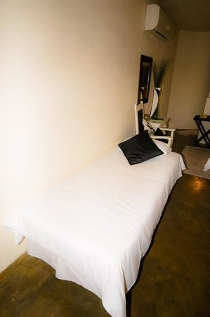 Nandina Guest House & Self Catering Cottages: Single room