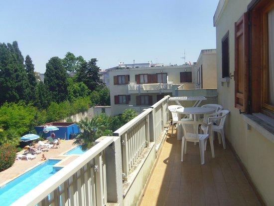 Residenza Gli Eucalipti: balcon