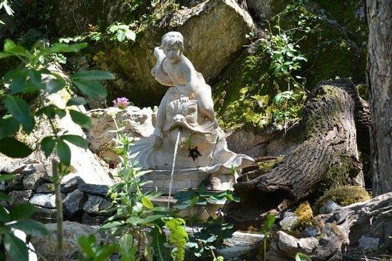 Tour du jardin deden picture of le jardin d 39 eden for Le jardin d eden