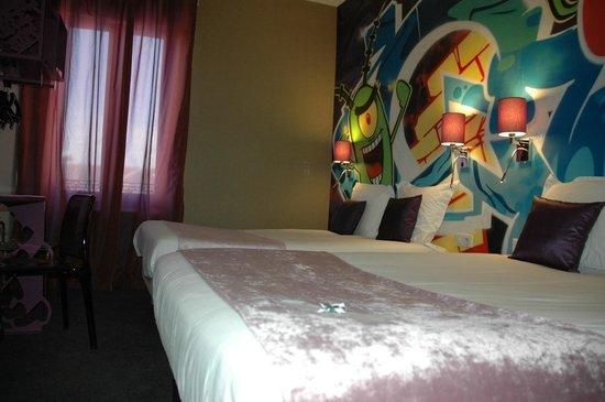 Hotel de l'Univers Montlucon : Nouvelle chambre