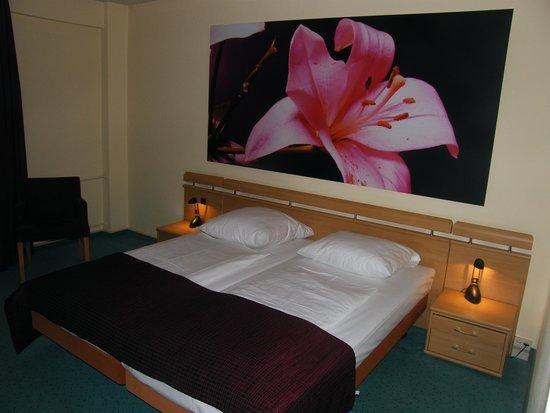 Mark Apart Hotel: Stanza lato letto