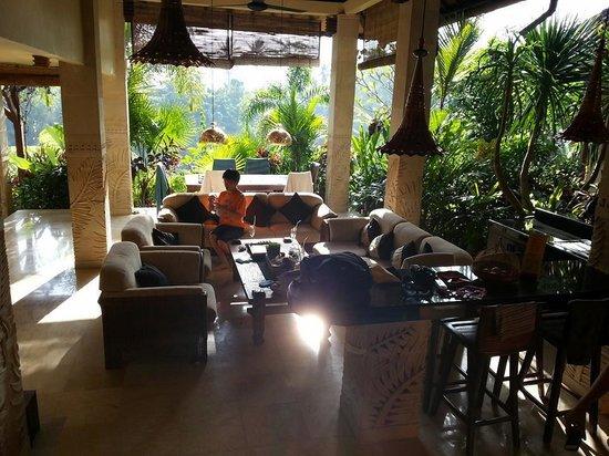 Bidadari Private Villas & Retreat: Huge common living area