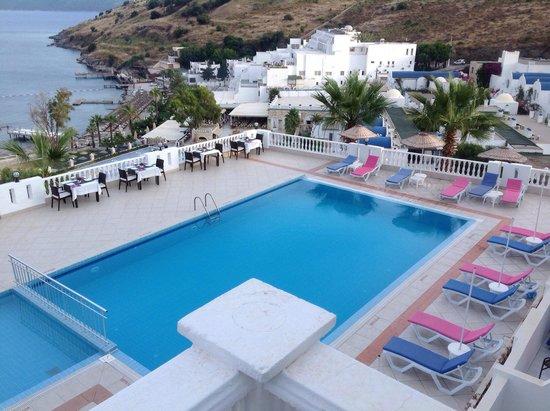 Dolce Bodrum Hotel: Havuz