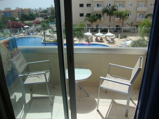 Brilliant Hotel Apartments : Balcony