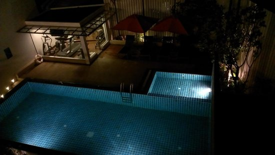 Aspira Prime Patong: Pool+Fitnessraum