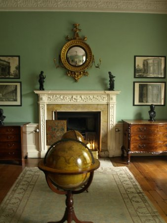 The Georgian House Museum: Study type room