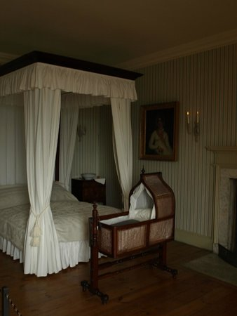 The Georgian House Museum: The bedroom