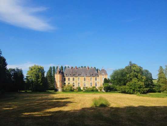 Fosseuse, France : Chateau - view from grounds
