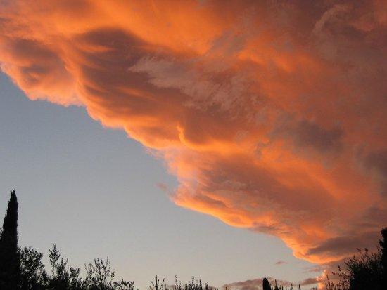 Villa Paradiso : Nuvole dorate