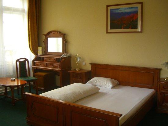 City Hotel Unio: Полноценная двухспальная кровать